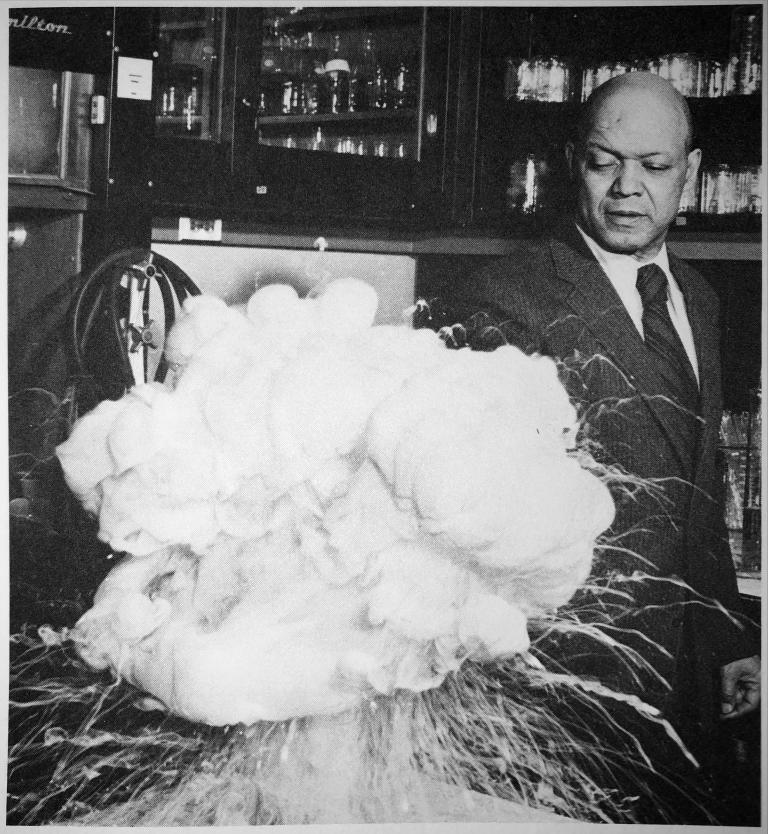 Odell Taliaferro (1906) detonating mixture of zinc powder and sulfur
